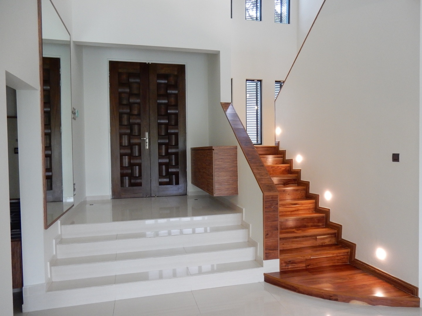 Entrance area and staircase