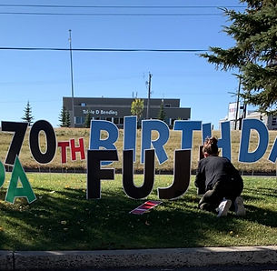 Birthday%20Lawn%20Greeting%20Surprise%20Calgary_edited.jpg