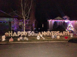 Anniversary Lawn greeting gift idea for parents