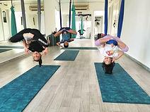 2yclub : Trapeze yoga kids ; inversion open hip