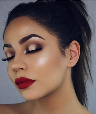 Halo Eyes Makeup