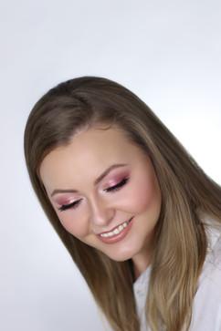 Airbrush Makeup Course Waneska.jpg