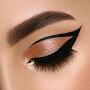 Eyeliner tutorial1.jpeg