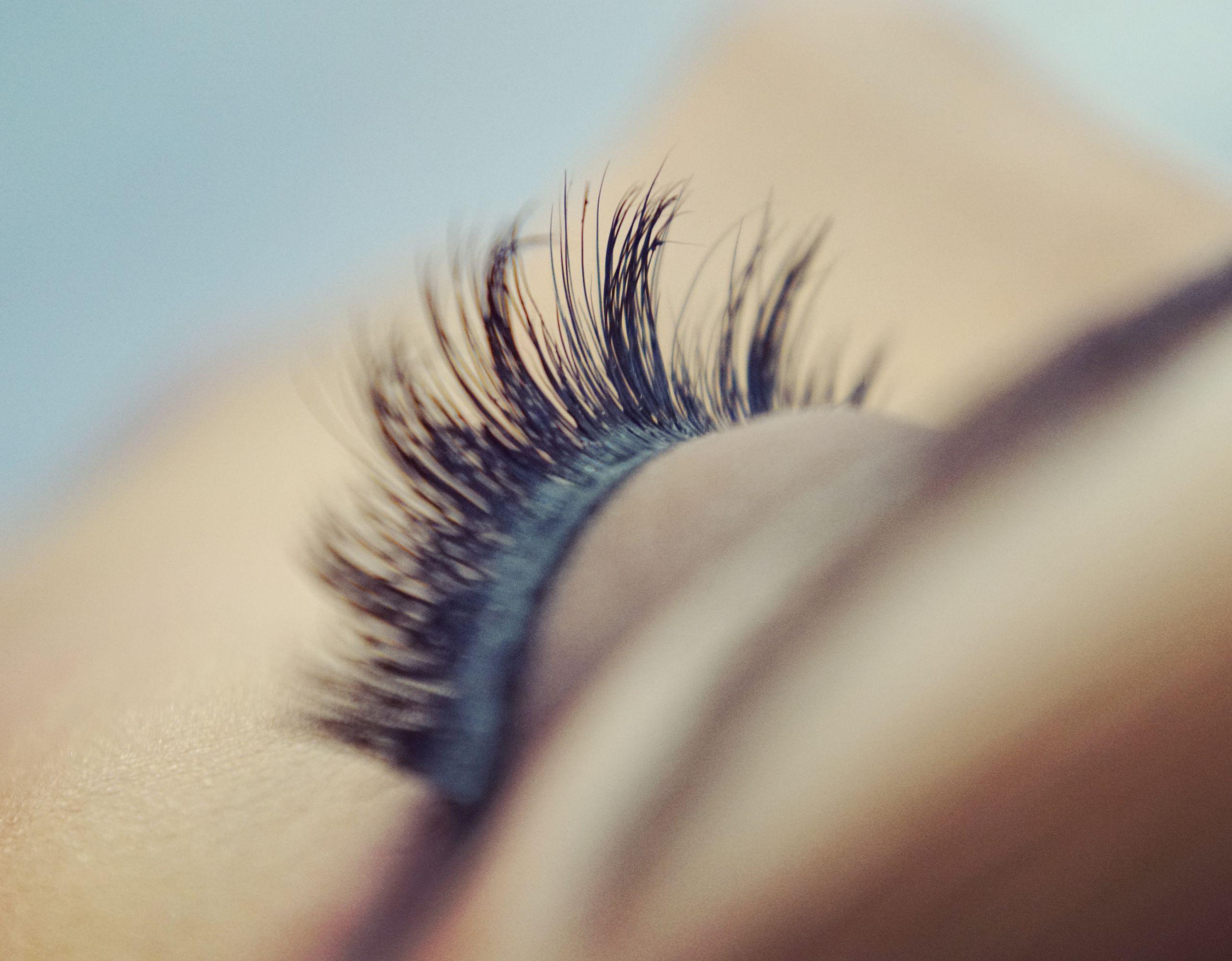 Makeup Artist Course fake eyelashes