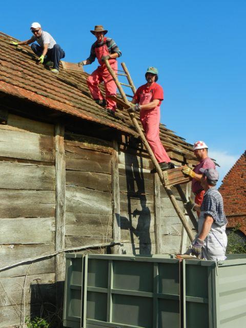 Tiling team