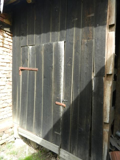Small barn door