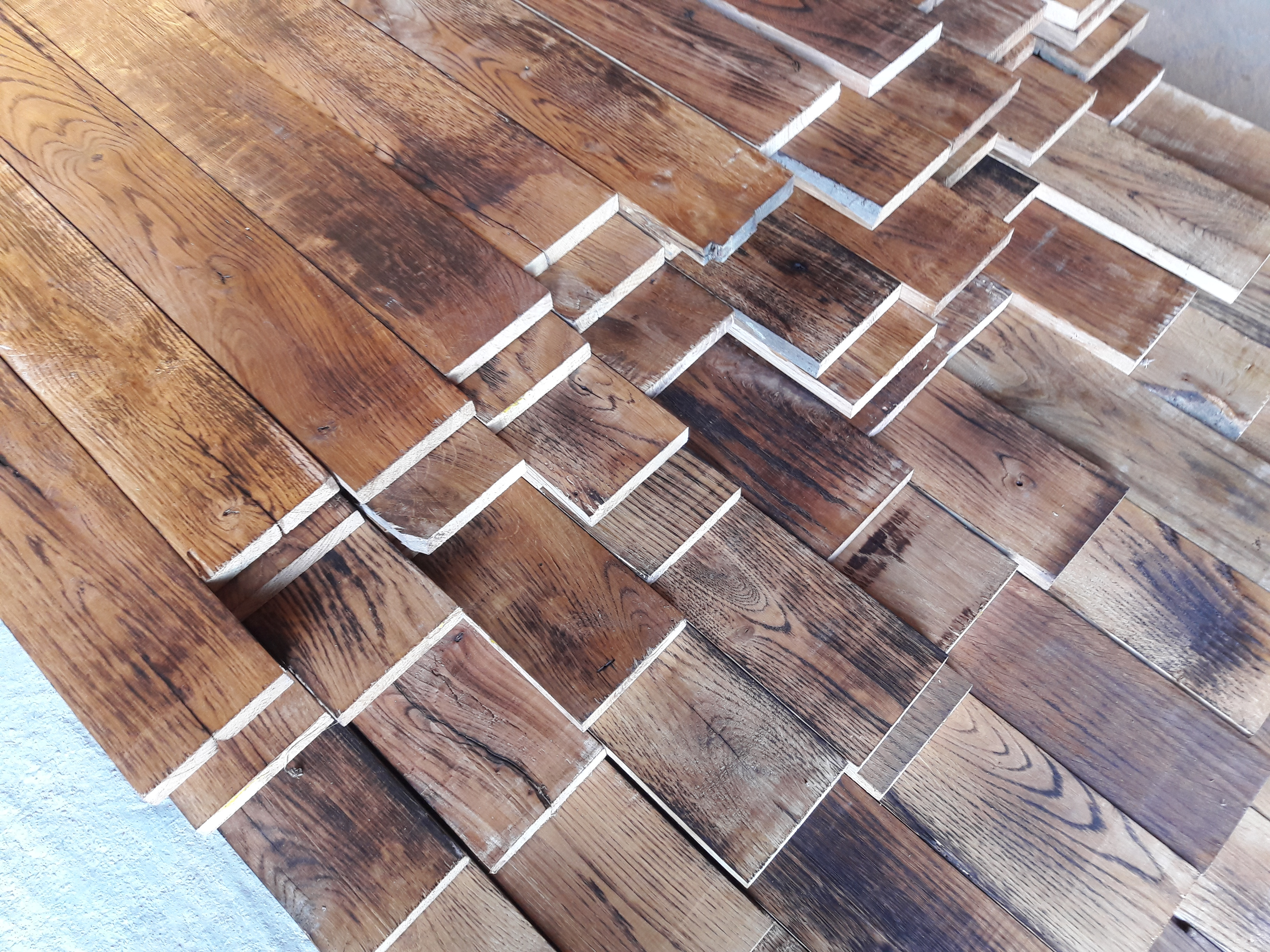 Caramel Oak Strip flooring