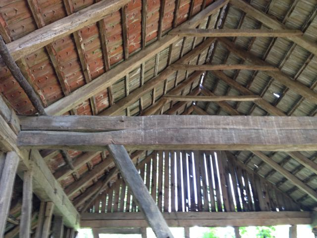 Barn roof structure