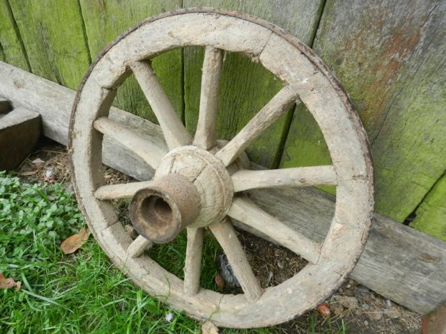 Vinatge cart wheel
