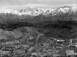 dodger_stadium_excavation_with_mountains