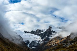 Rheinwaldhorn_clouded.jpg