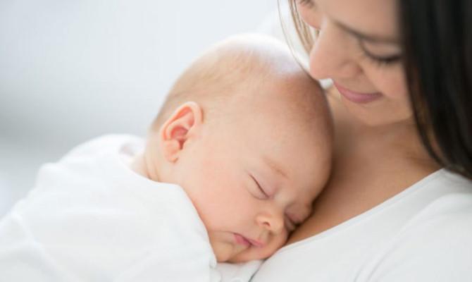 La importancia del olor a mamá para el recién nacido