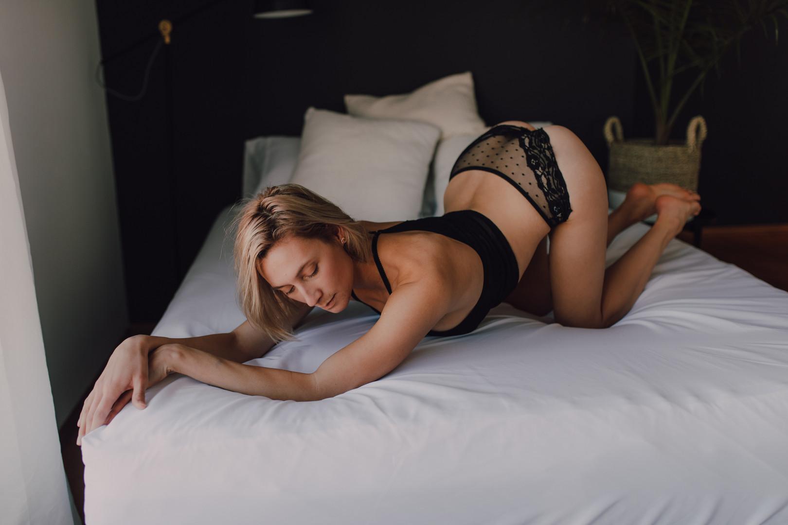 Karyn - Winnipeg Boudoir Photographer-22