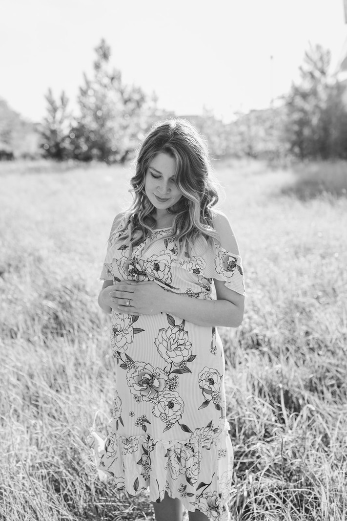 Aimee and Jordan - Winnipeg maternity photography - The Forks -4550.jpg