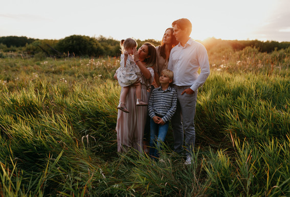 Winnipeg family photographer Krista Hawryluk