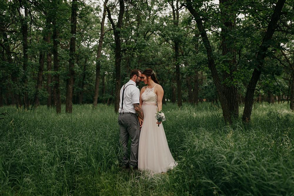Whimsical backyard elopement in Headingley, Manitoba