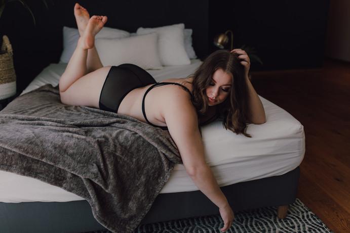 winnipeg boudoir photographer-6874.jpg