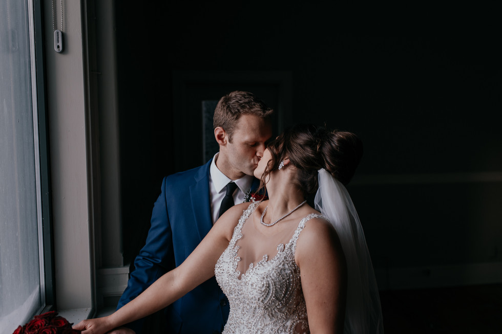 The Met Winnipeg Wedding-6599.jpg