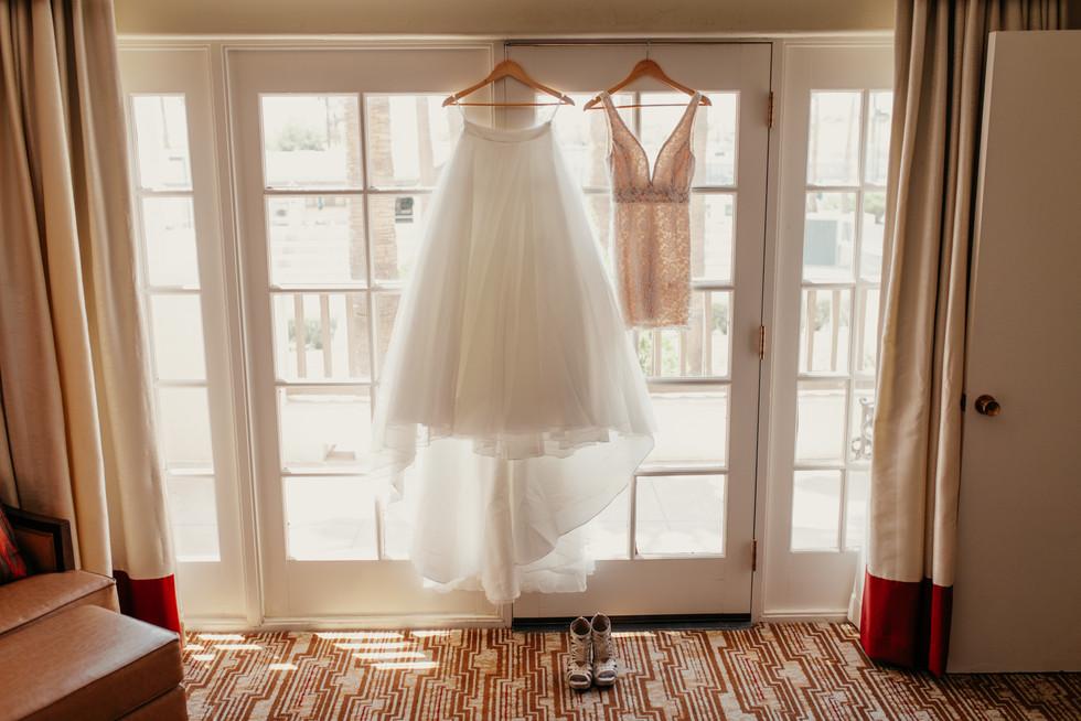 Bride getting ready photos - winnipeg wedding photoggrapher