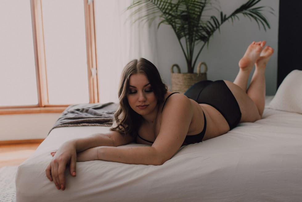 winnipeg boudoir photographer-6810.jpg