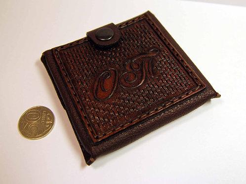 Монетница с инициалами