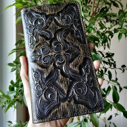 Кошелёк с казахским орнаментом. Цвет коричневый.