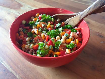 Kichererbsen & Zucchini Salat