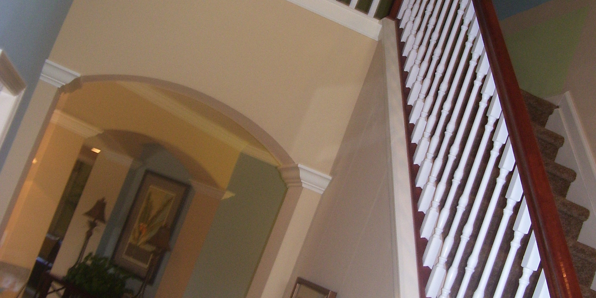 Classical Oak with White Spindles