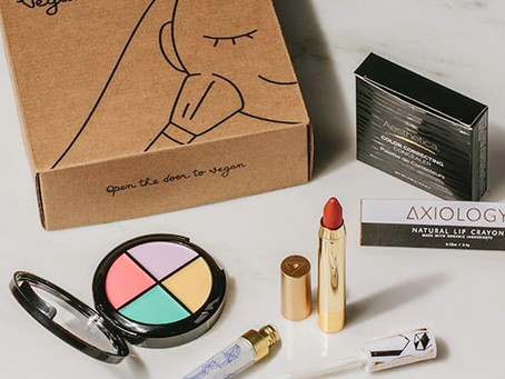 The Best Monthly Makeup Subscription Boxes to Try Out Today