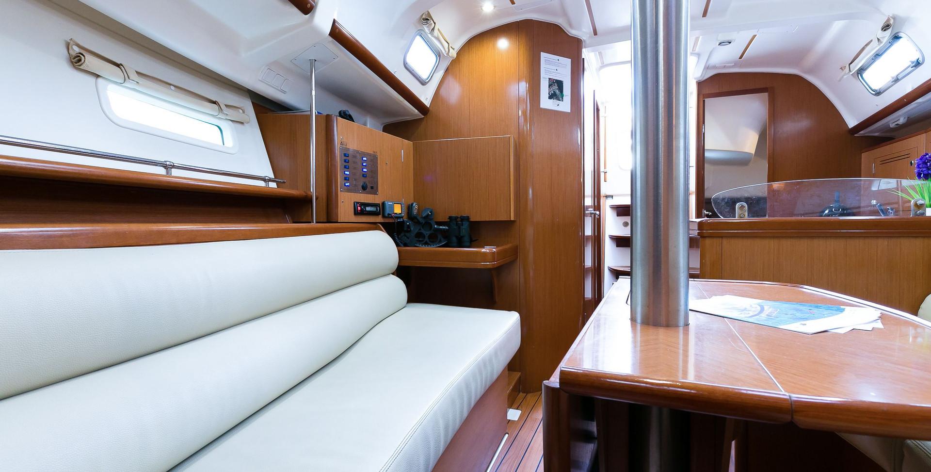 Teseris-interior-5.jpg