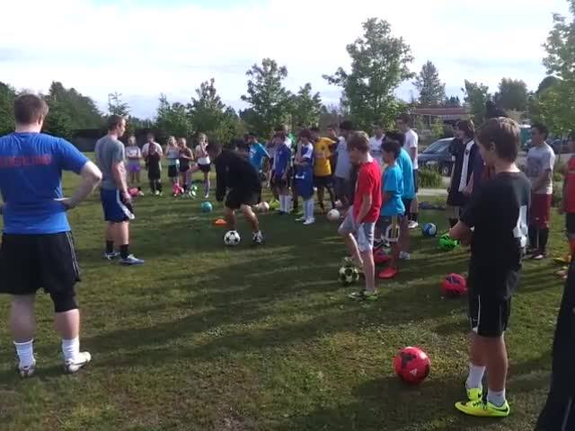 Using a move to beat a defender - the smart way.