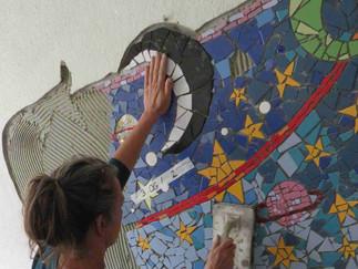Fertig! Wir gestalten gemeinsam das Treppenhaus an der Grundschule Ennepetal