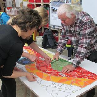 Fliesen, Keramik und Trencadis Techniken sind Inhalt unserer 6. Ausbildungseinheit