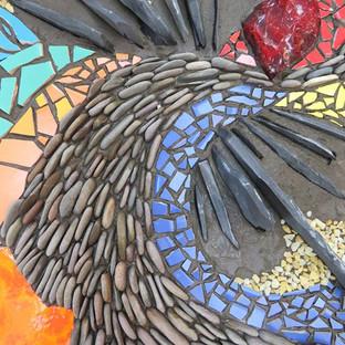 Natursteinmosaike - wunderbare Arbeiten entstehen während unseres Workshops am Wochenende