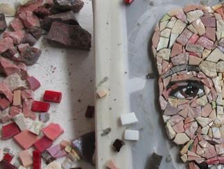 Unser Workshop 'Faszination Mosaik Portrait' liefert beeindruckende Ergebnisse