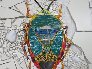 'Insekten' - Umsetzung eines Entwurfs in ein modernes Mosaik