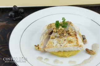 Halibut with walnut sauce