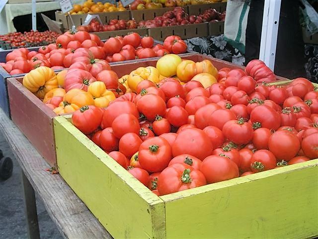 market boxes of gorgeus heirloom tomatoes