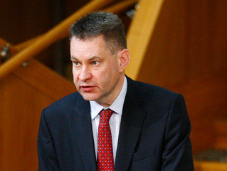 Murdo Fraser asks Transport Minister when driving instructors can resume work