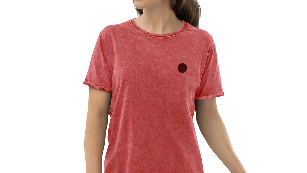 arTully - Woman's Denim Style T-Shirt, Red