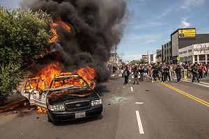CAR FIRE ON BEVERLY.jpg