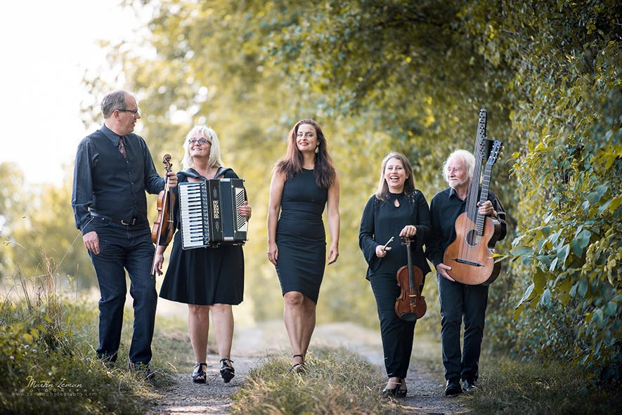 """Wiener Art Schrammeln"" - Traditional Vienna Music & Balkan- Songs"