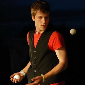 Professional Juggling Show for events in Surrey, London. Corporate events, Schools and parties