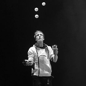 Cai Lear Juggling Show Surrey London Home Counties