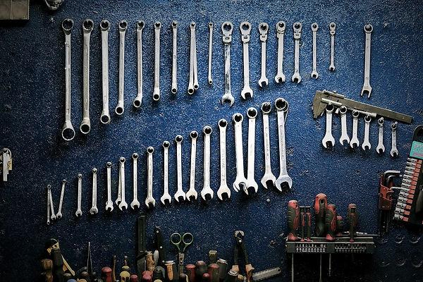 гаечный ключ, отввертка, инструменты