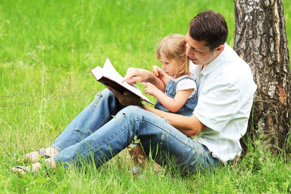 папа, дочь, книга, лес, дочка