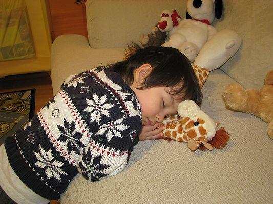 ребенок, спит, сон, игрушки