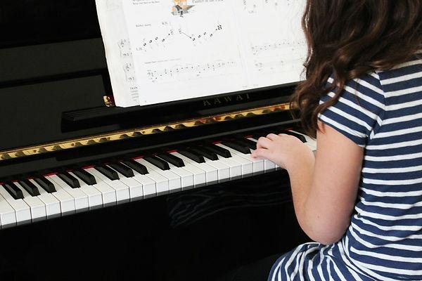 фортепиано, девочка, клавиши, ноты