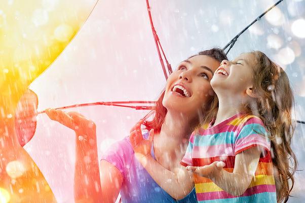 мама, дочь, гроза, зонт
