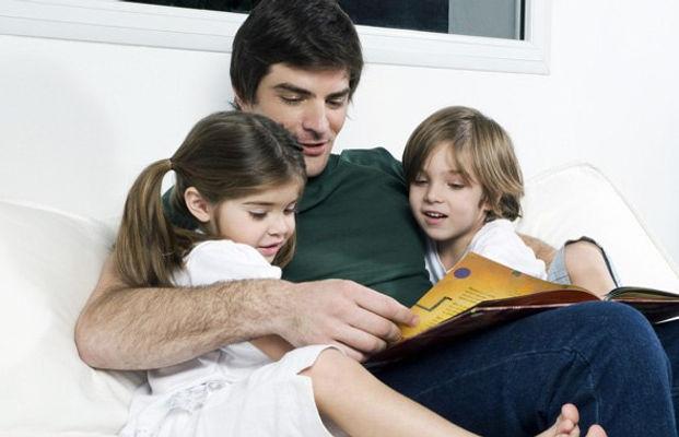 чтение вслух, папа, сын, дочь